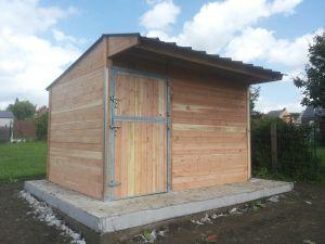 Box pour chevaux en bois Douglas 3x3m